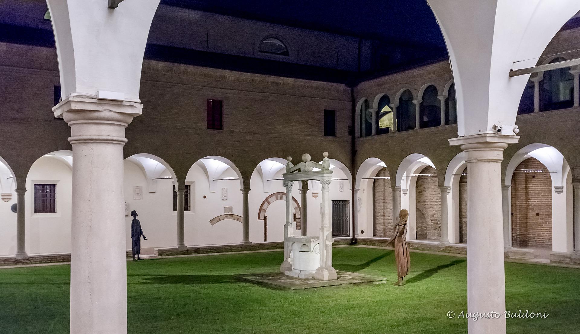 RAVENNA - Portico del Museo Dantesco